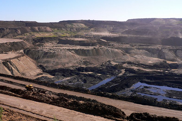 Coal mine in Inner Mongolia, China. Photo Credit: Herry Lawford/Mongabay