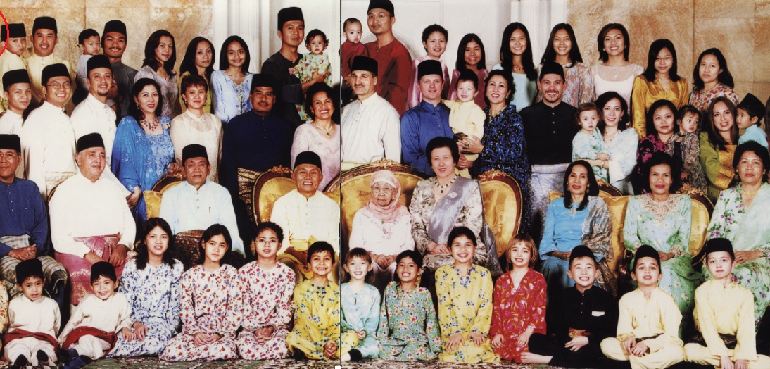 The Taib Family. Photo by  The Sarawak Report